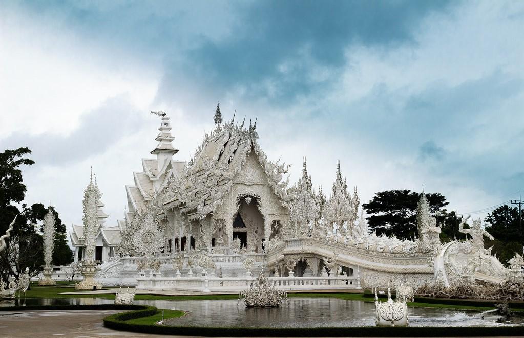 Wat rong khun - thailand luxury tour