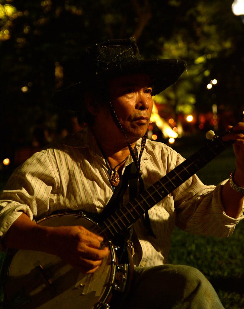 Guitarist - Weekend in Hanoi